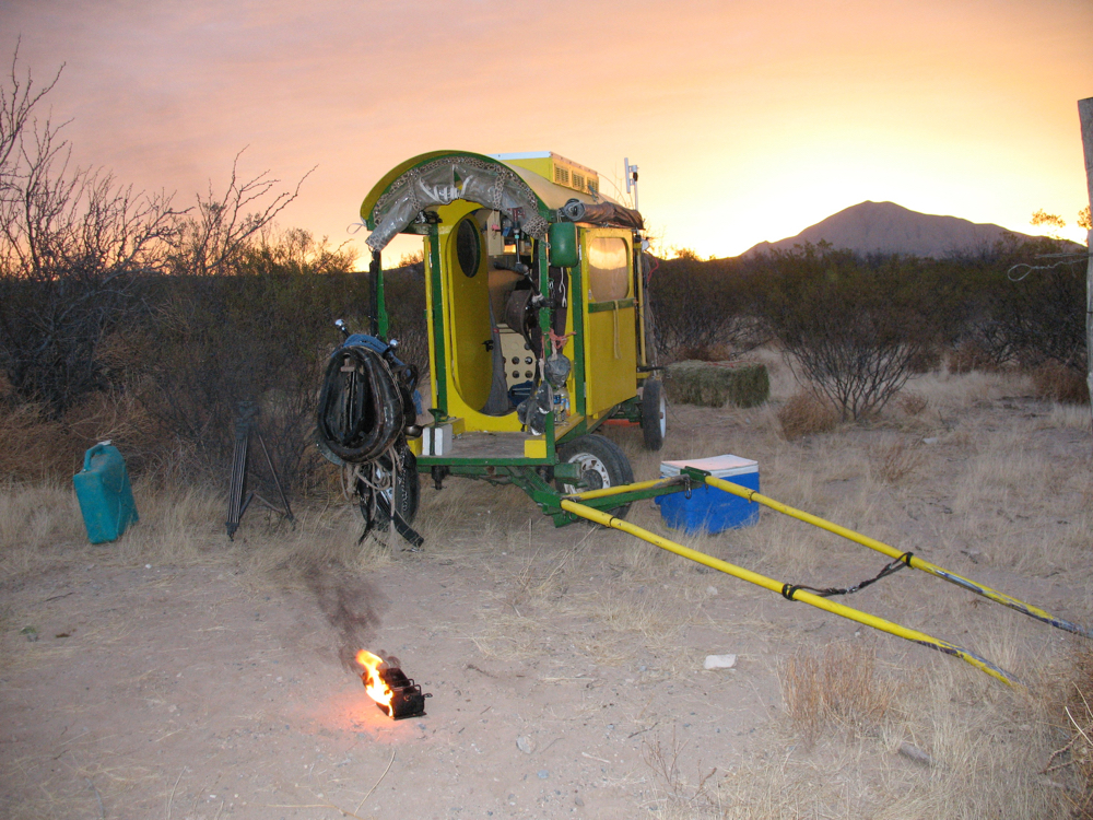 Bernie's Optimus Ranger 8R stove in the Texas desert.